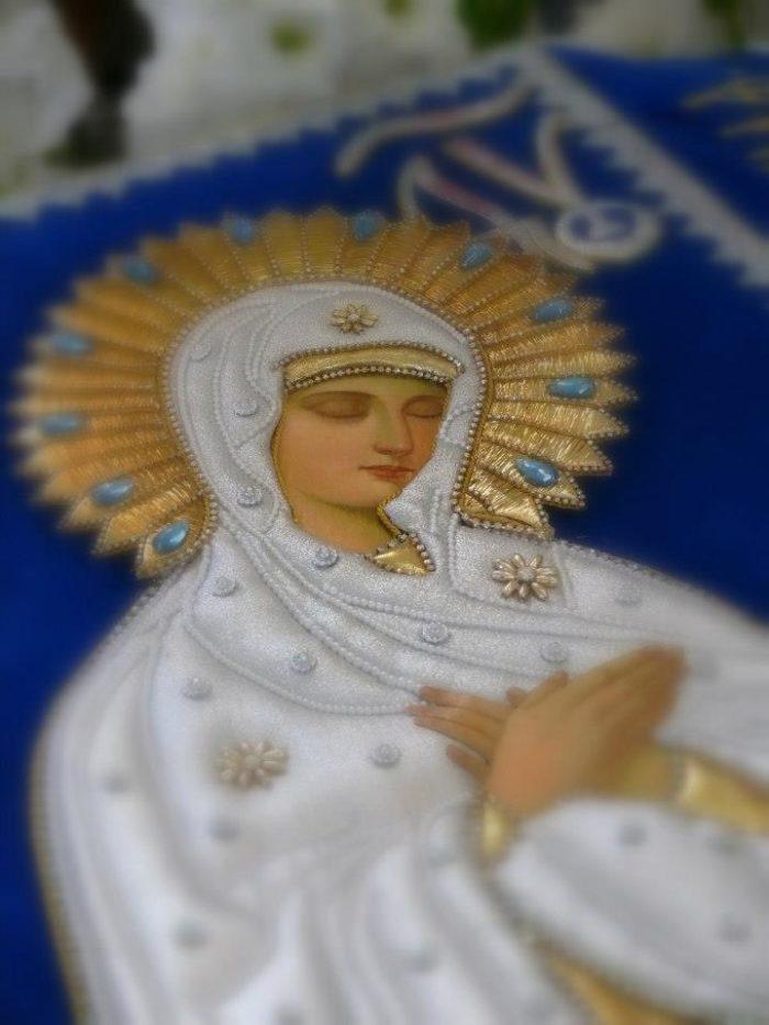 Liturgické zobrazení zesnulého těla Matky Boží na plátně